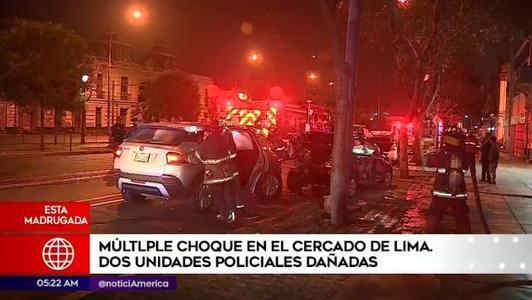 Cercado de Lima: Dos vehículos policiales terminan dañados en choque múltiple