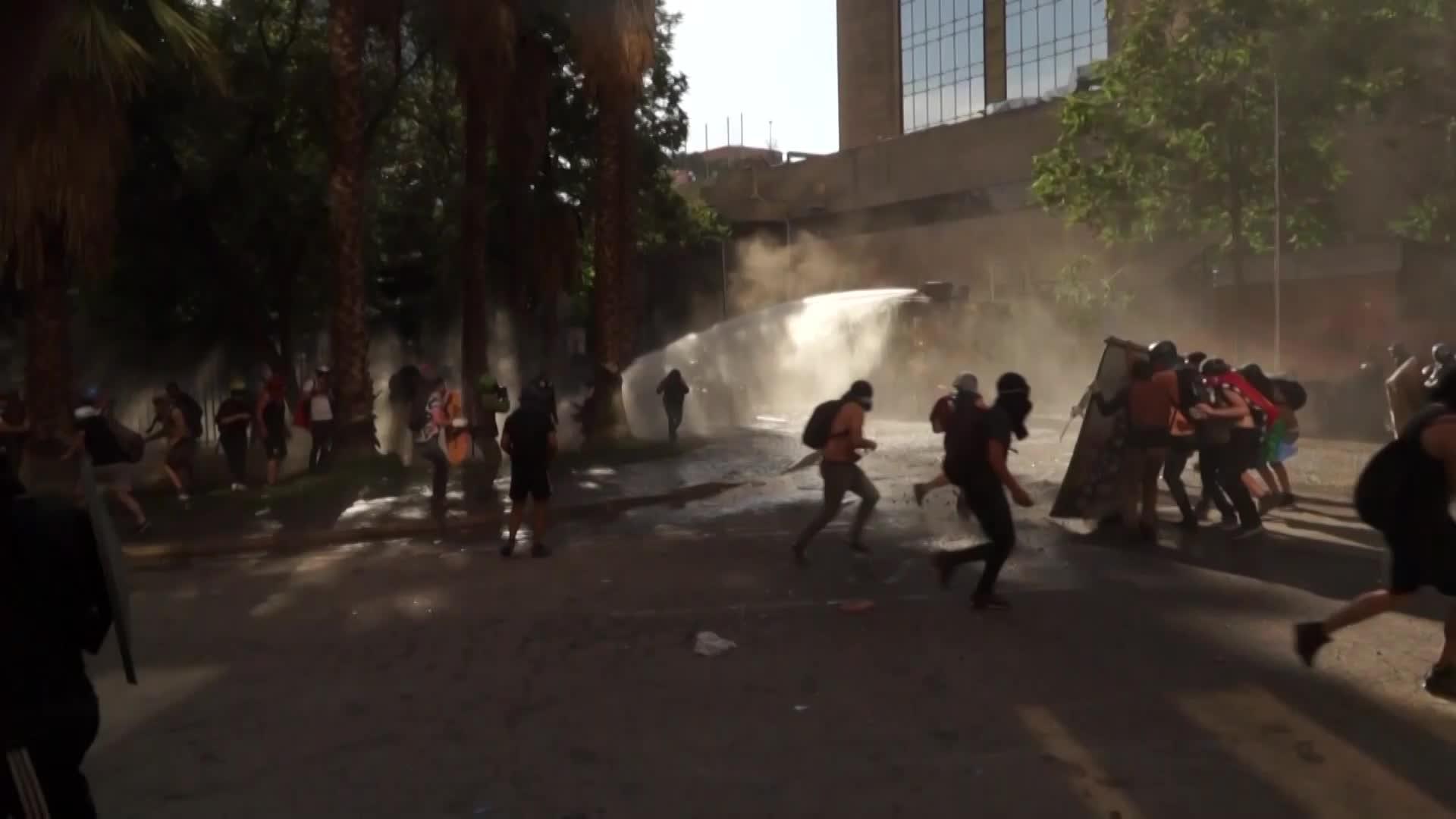Chile: Nuevos enfrentamientos luego de que la ONU denunciara alto número de violaciones de DDHH