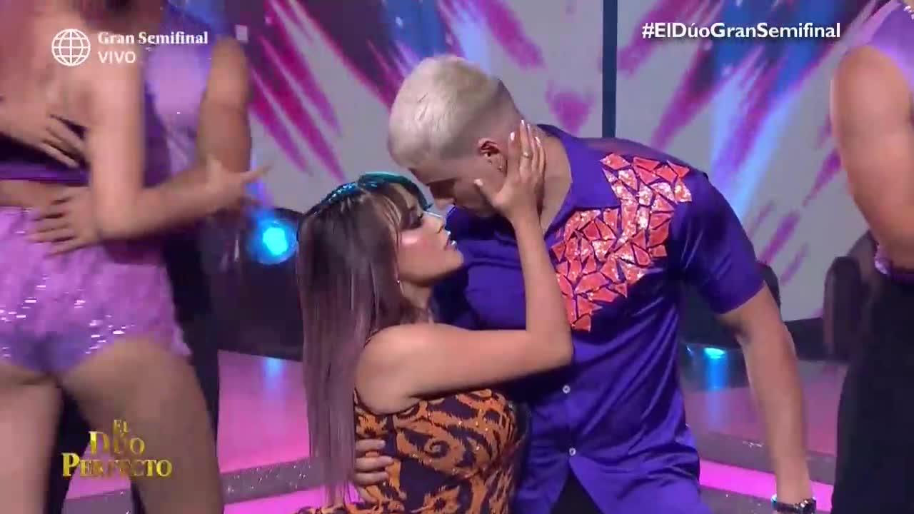 """'El dúo perfecto': Amy y Nesty brillaron en la pista de baile con el tema """"En peligro de extinción"""""""